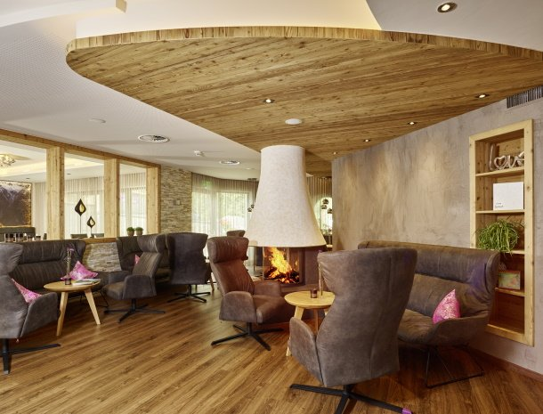 hotel-gundolf-pitztal-tirol-lounge.jpg