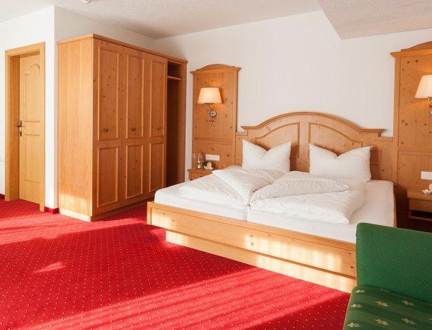 hotel-augarten-neustift im stubaital-tirol-slaapkamer.jpg