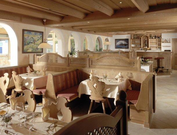 hotel-augarten-neustift im stubaital-tirol-restaurant-bar.jpg