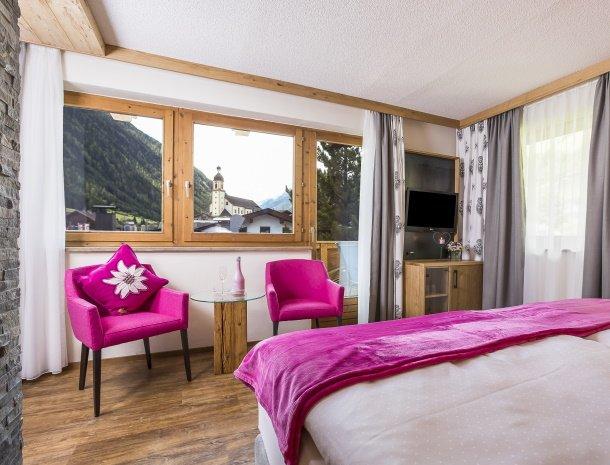hotel-augarten-neustift im stubaital-tirol-steinrosl-uitzicht.jpg
