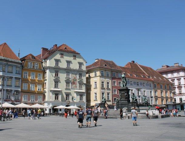 graz-hauptplatz-gekleurde-huizen.jpg