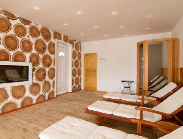 frohnatur-garni-hotel-thiersee-relaxruimte.jpg