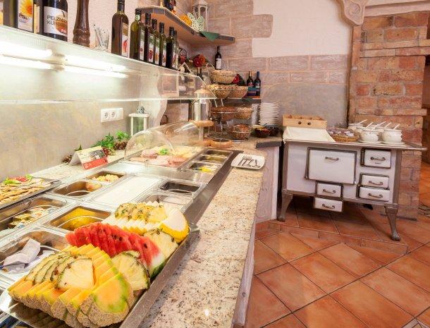 hotel-stefan-wenns-kinderhotel-ontbijt-buffet.jpg