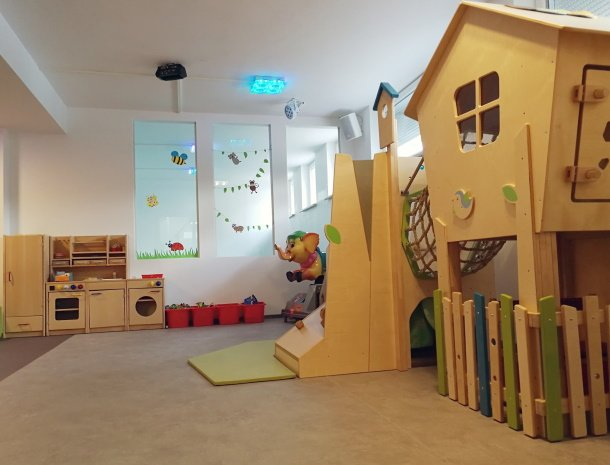 hotel-stefan-wenns-kinderhotel-speelkamer.jpg