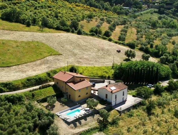 il-giardino-pontassieve-nieuw-zwembad-villa-casalta.jpg