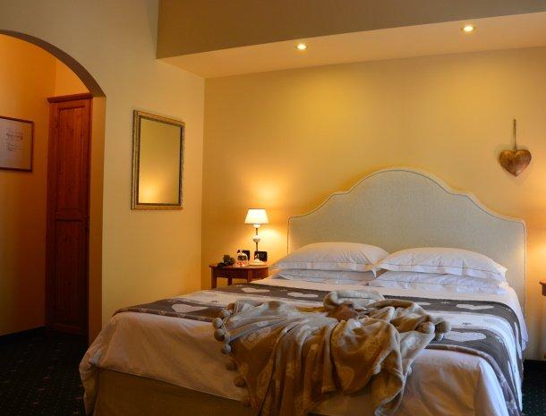 hotel-carpe-diem-vigo-di-fassa-slaapkamer.jpg