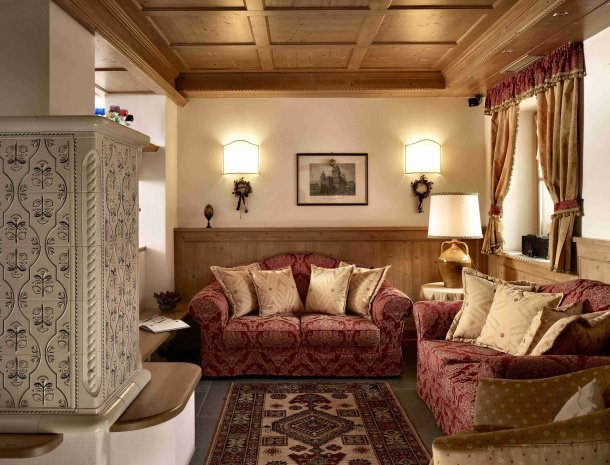 hotel-carpe-diem-vigo-di-fassa-lounge-zithoek.jpg