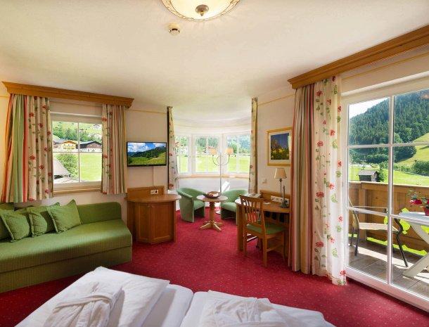 hotel-bergzeit-grossarl-familiekamer.jpg