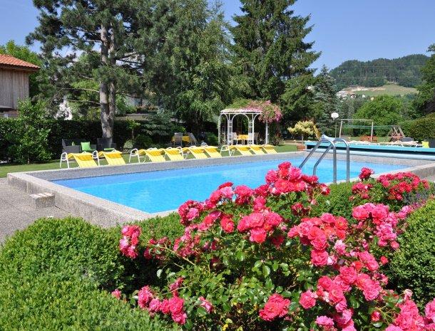 birkenhof-appartementen-dobriach-zwembad.jpg