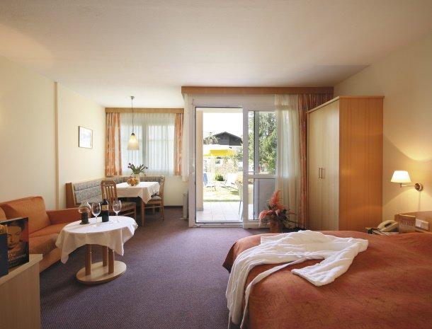birkenhof-appartementen-dobriach-woon-slaapkamer.jpg
