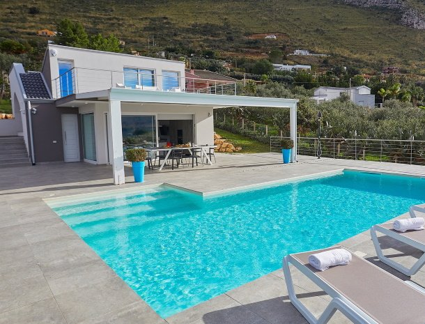 villa-adelfos-scopello-sicilië-villa-zwembad.jpg