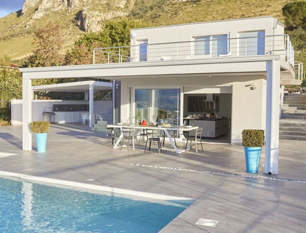 villa-adelfos-scopello-sicilië-huis-aanzicht.jpg