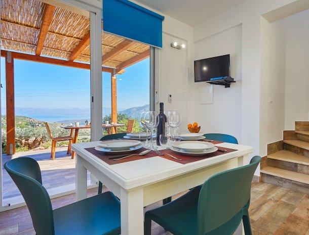 villa-montemar-scopello-sicilië-eethoek-uitzicht.jpg