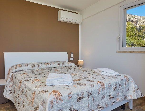 villa-montemar-scopello-sicilië-slaapkamer.jpg