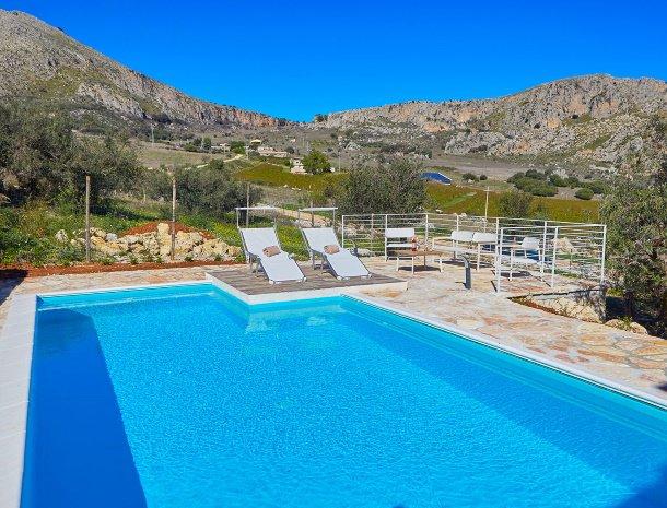 villa-montemar-scopello-sicilië-zwembad.jpg