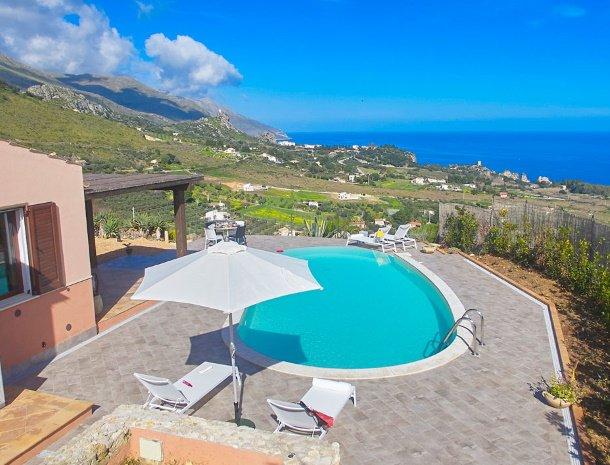 villa-tari-scopello-sicilië-overzicht-zwembad.jpg