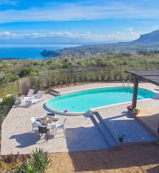 villa-tari-scopello-sicilië-privezwembad-zeezicht.jpg
