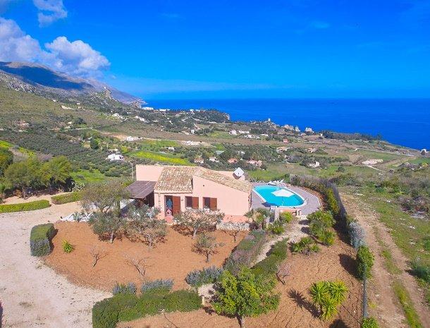 villa-tari-scopello-sicilië-overzicht.jpg