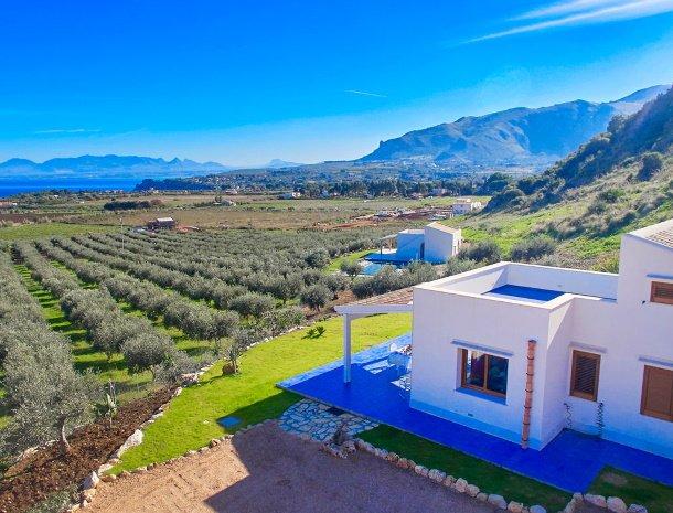 villa-ananda-scopello-sicilië-huis-dakterras-uitzicht.jpg