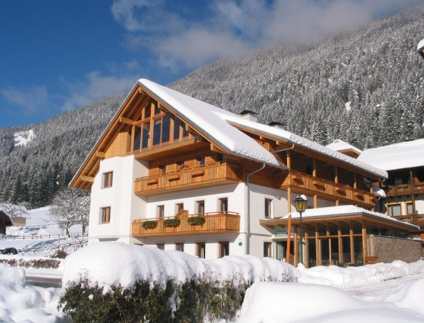 ferienhof-neusacher-weissensee-karinthie-winter.jpg