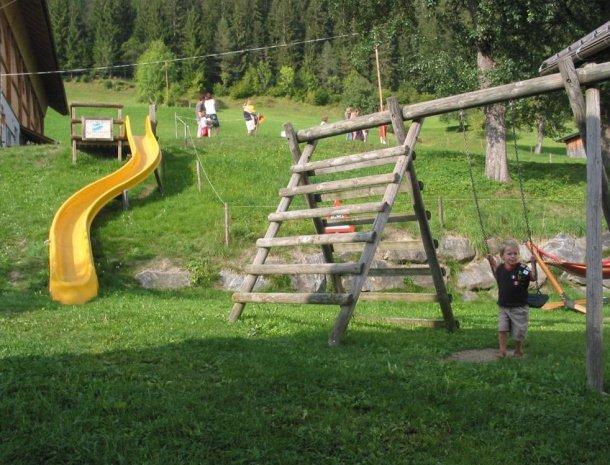 ferienhof-neusacher-weissensee-speeltuiin.jpg