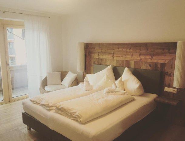 apartementen-krosbacher-fulpmes-vakantiewoning-slaapkamer.jpg
