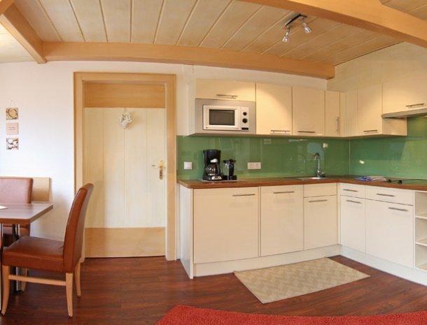 apartementen-krosbacher-fulpmes-keuken.jpg