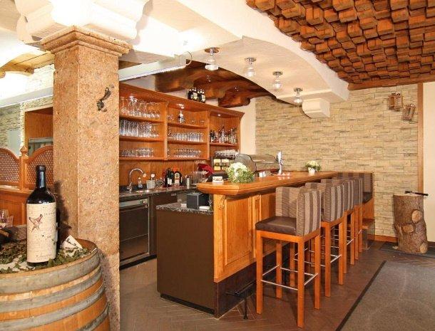 apartementen-krosbacher-fulpmes-restaurant-bar.jpg