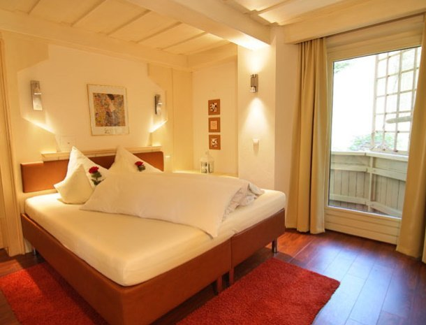 apartementen-krosbacher-fulpmes-slaapkamer.jpg