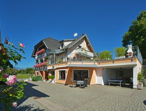 pension-linder-seeboden-millstattersee-overzicht-huis.jpg