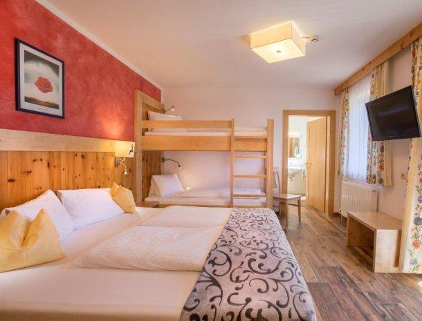 hotel-burgeck-krimml-familiekamer-atapelbed.jpg