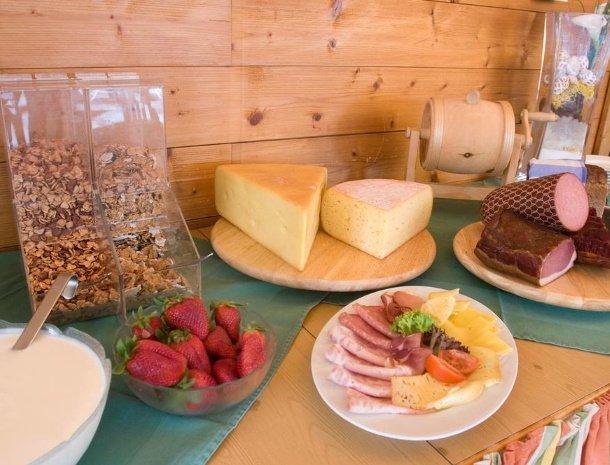 hotel-burgeck-krimml-ontbijtbuffet.jpg