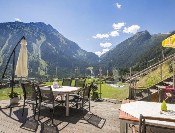hotel-burgeck-krimml-terras-uitzicht.jpg