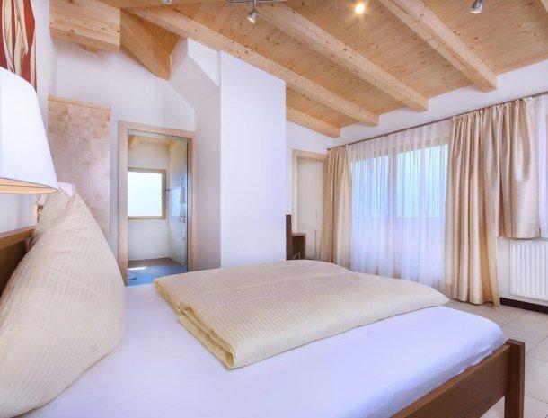 hotel-burgeck-krimml-slaapkamer.jpg