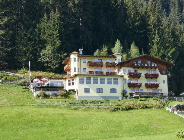 hotel-burgeck-krimml-zomer-ligging.jpg