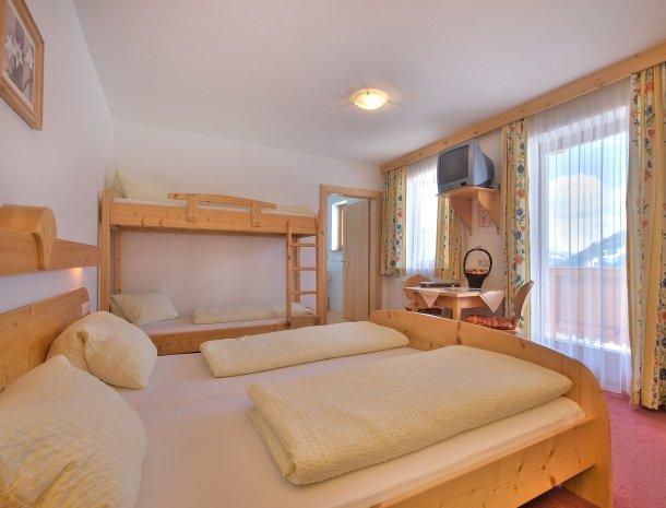 hotel-burgeck-krimml-familiekamer.jpg