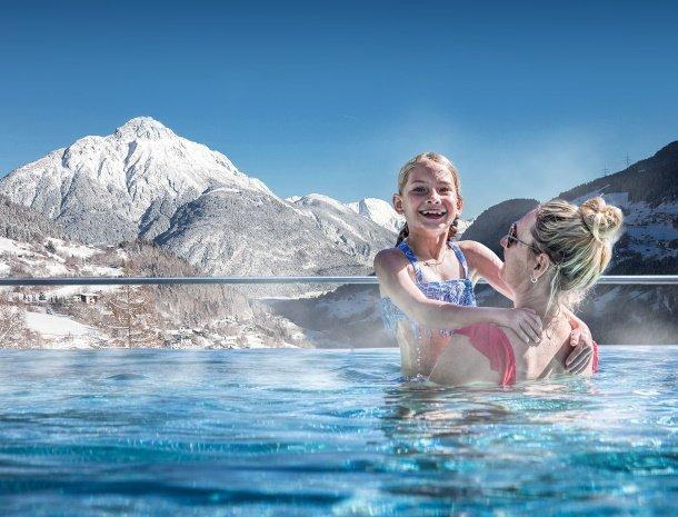 hotel-stefan-wenns-pitztal-zwembad-winter.jpg