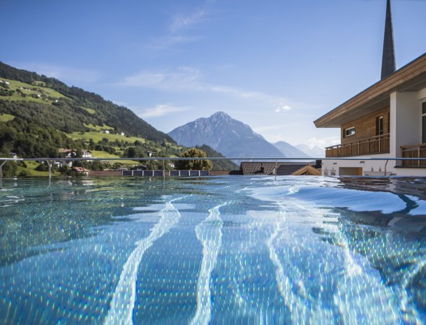 hotel-stefan-wenns-pitztal-zwembad.jpg