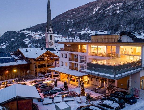 hotel-stefan-wenns-pitztal-winter-overzicht.jpg