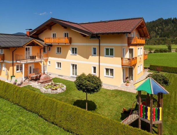 hotel-jaegerheim-flachau-speelruimte-tuin.jpg