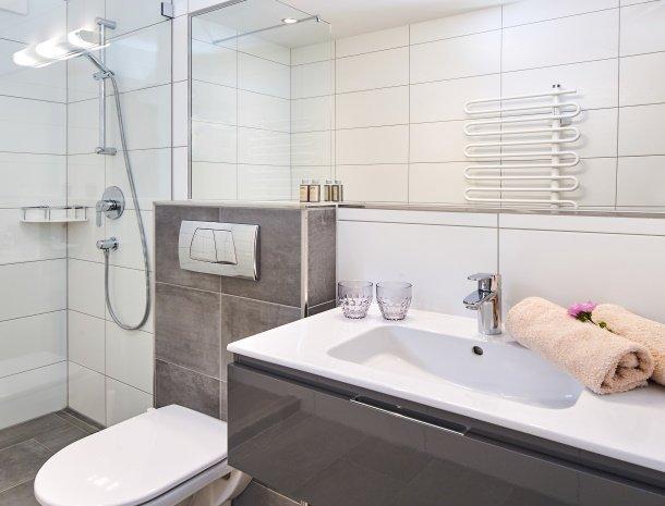 hotel-jaegerheim-flachau-badkamer.jpg