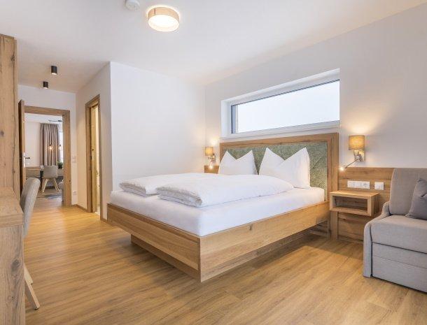 diebleibe-appartementen-flachau-salzburgerland-slaapkamer-bedbank.jpg