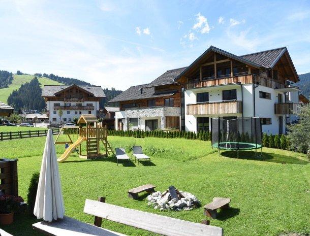 diebleibe-appartementen-flachau-salzburgerland-speelplaats.jpg