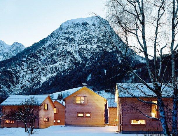 casalpin-brand-vorarlberg-chalet-winter-overzicht.jpg