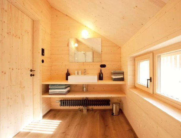 casalpin-brand-vorarlberg-chalet-badkamer.jpg
