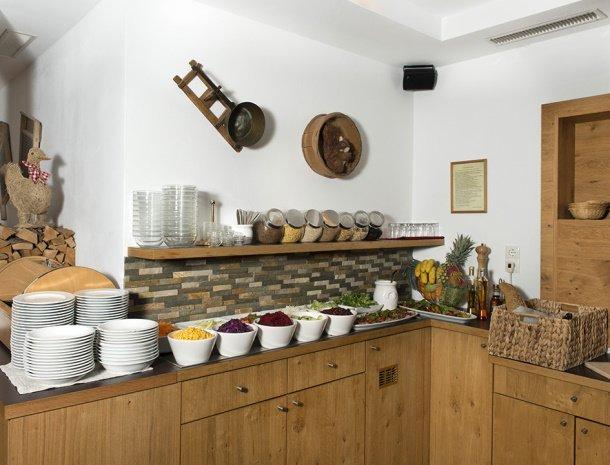 pension-hochjochstobli-schruns-vorarlberg-restaurant-buffet.jpg