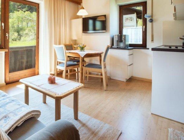 alpenapart-montafon-tschagguns-vorarlberg-appartement-4-keuken.jpg