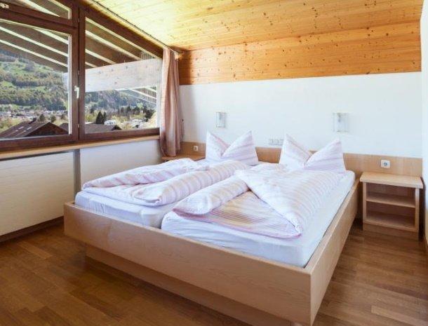 alpenapart-montafon-tschagguns-vorarlberg-appartement-6-slaapkamer.jpg