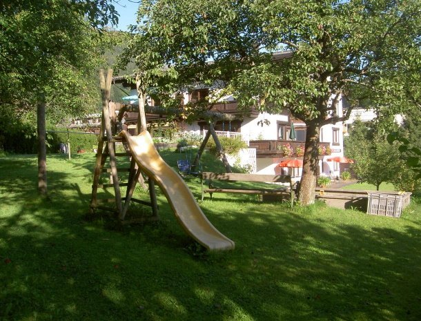 alpenapart-montafon-tschagguns-vorarlberg-speeltuin.jpg