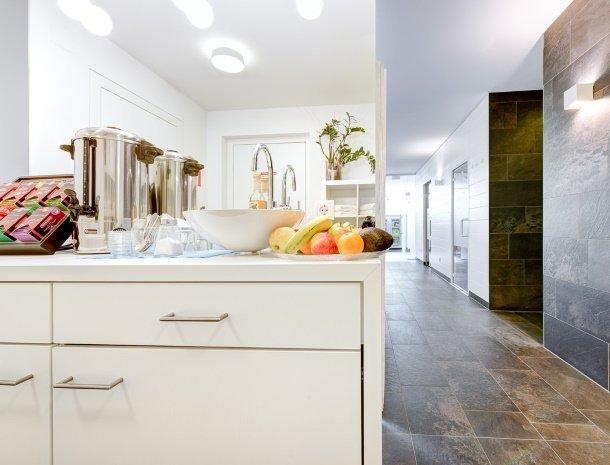 hotel-lun-brand-brandnertal-vorarlberg-wellness-vitaminebar.jpg